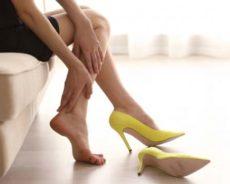 Ayaklara ve Bacaklara Zarar Veren Yazlık Ayakkabılar