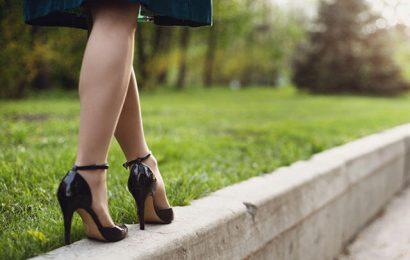Topuklu Ayakkabıyla Yürümenin Püf Noktaları